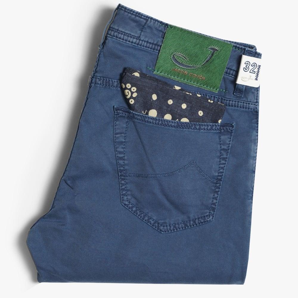 Display of Jacob Cohen j688 jeans