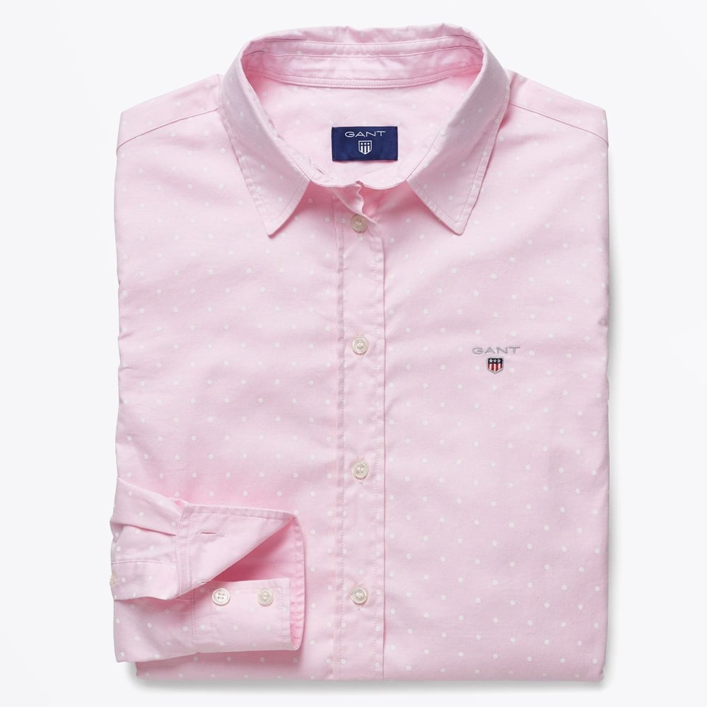 Iconic, authentic and all-American, the original button-down oxford shirt from Brooks Brothers is the embodiment of quality and versatility. With genuine details like our signature rolled collar and softened placket and cuffs, these shirts combine style and comfort unlike anything else in your closet.