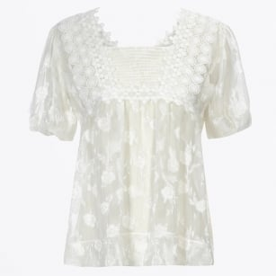 - Notate Ribbon Lace Top - White