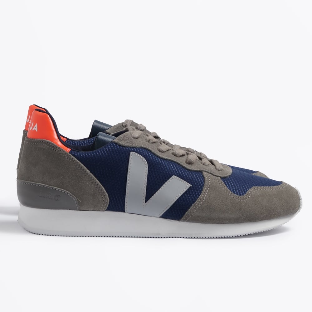 Veja Low Top Womens Shoes